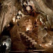 Jenolan caves six foot track